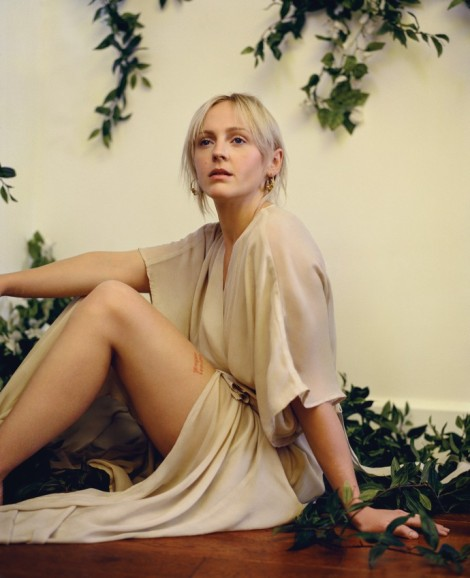 laura-marling_076-final-retouch15-mb-690x849